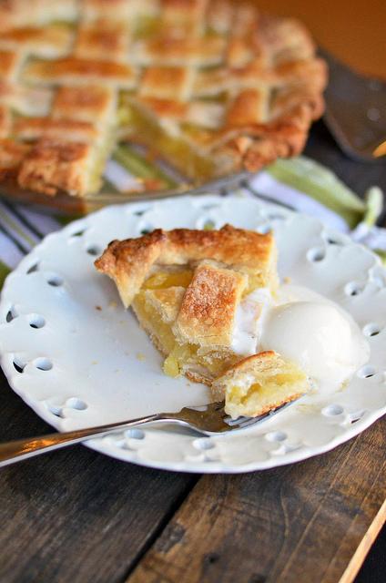 Pineapple Pie   25+ Pineapple Recipes