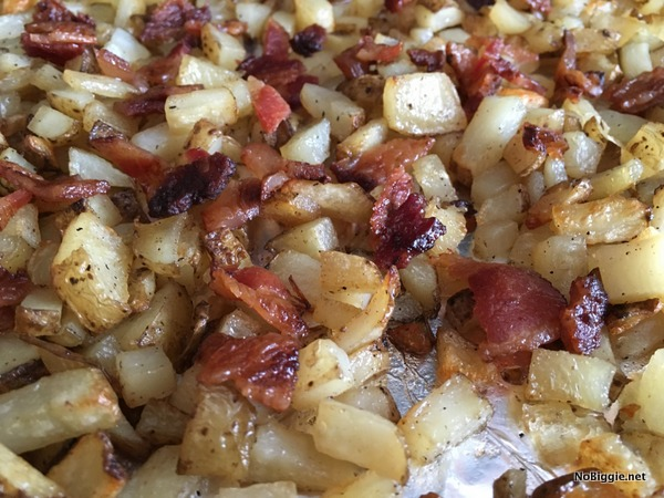 Potatoes and bacon in the oven | they taste just like Outback Steak House Cheese Fries | recipe on NoBiggie.net