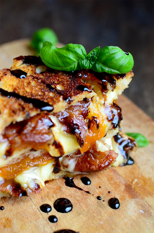 Bacon, Brie & Apricot Grilled Cheese | 25+ Grilled Cheese Recipes
