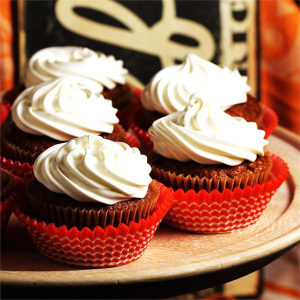 Whipped Cream Cream Cheese Frosting | 25+ Cupcake Frosting recipes