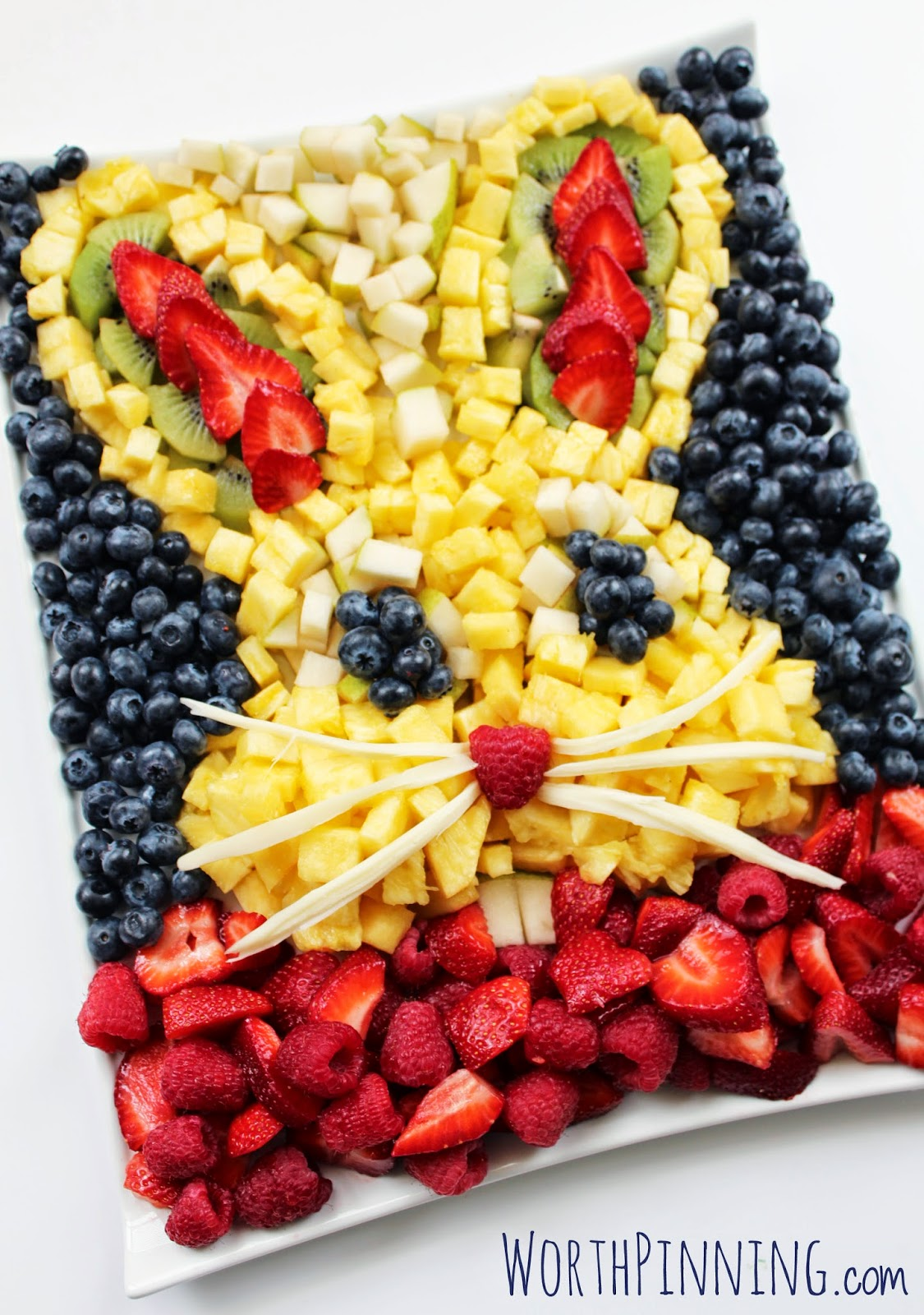 14 Fresh and Creative Fruit & Veggie Tray Decorating Ideas