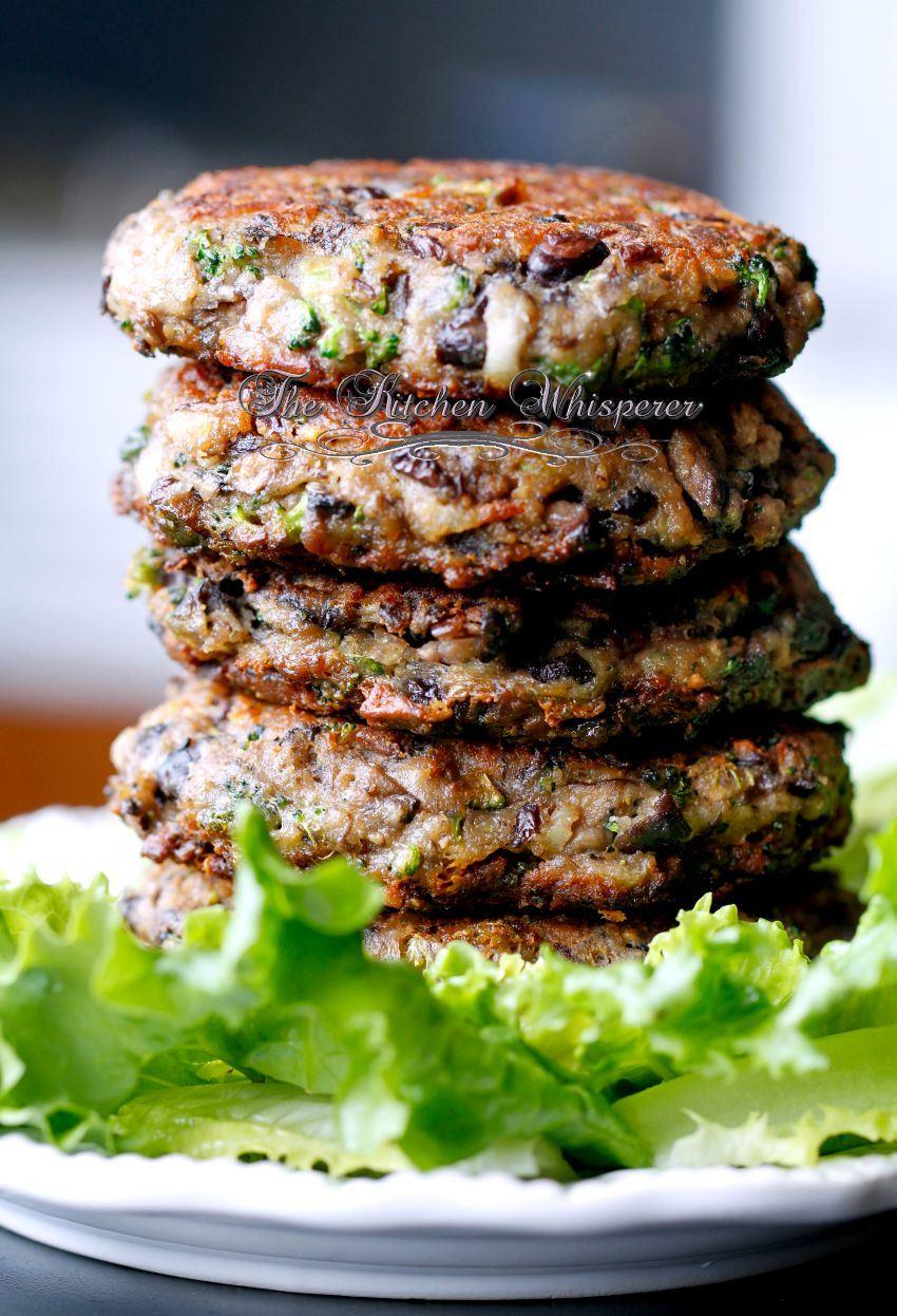 Chunky Portabella Veggie Burgers | 25+ mushroom recipes