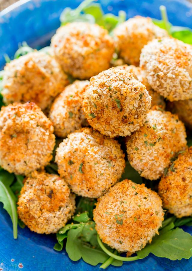 Crispy Baked Parmesan Garlic Breaded Mushrooms | 25+ mushroom recipes