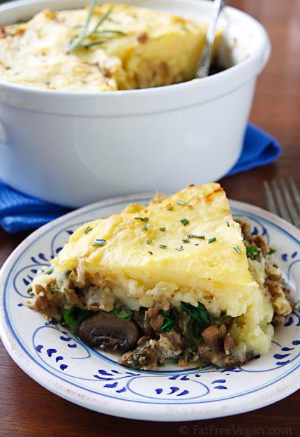 Hearty Lentil and Mushroom Shepherd's Pie | 25+ mushroom recipes