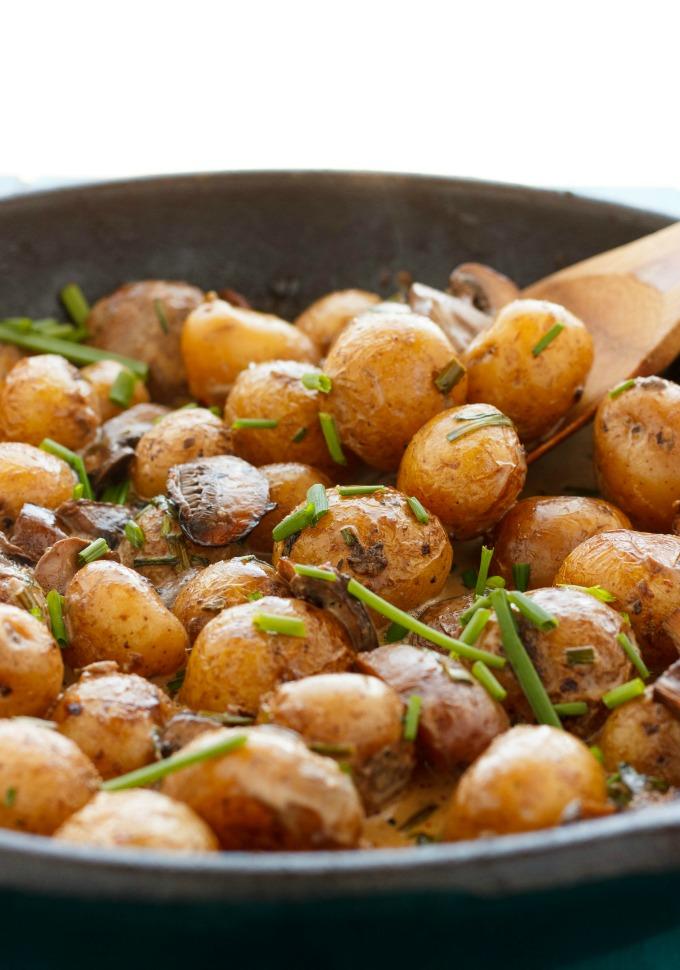 Roasted Baby Potatoes in a Homemade Mushroom Sauce | 25+ mushroom recipes