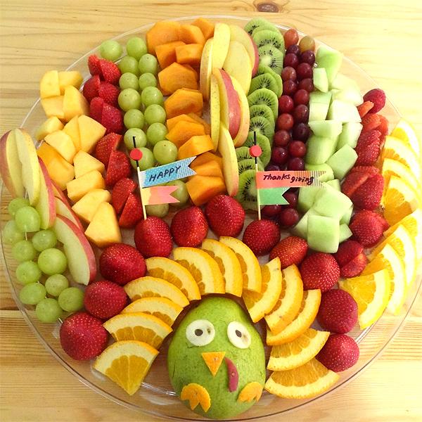 Turkey Fruit Tray | 20+ Cute Fruit & Veggie Trays