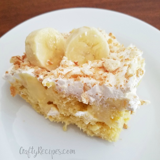 Banana Cream Poke Cake | 25+ Poke Cake Recipes
