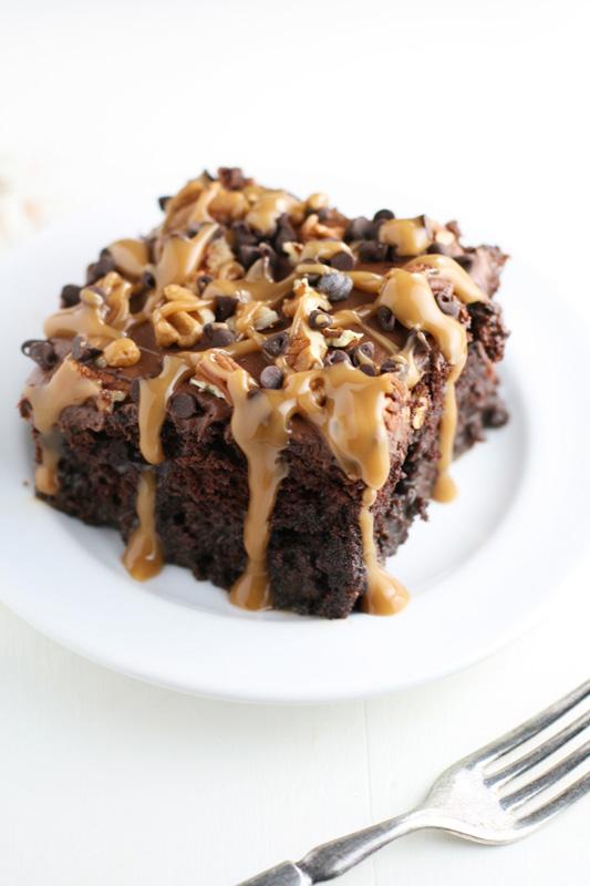 Chocolate Turtle Poke Cake | 25+ Poke Cake Recipes
