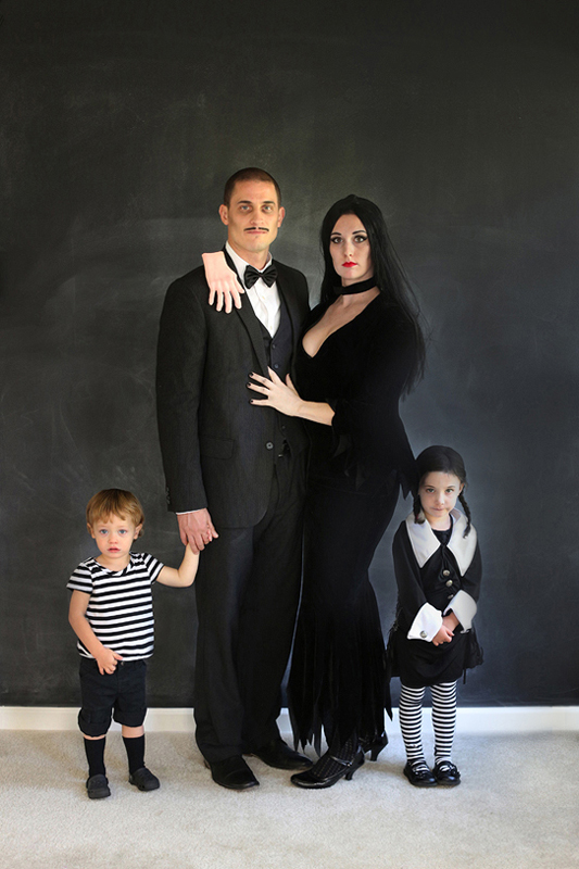 25+ Creative Costumes for Families
