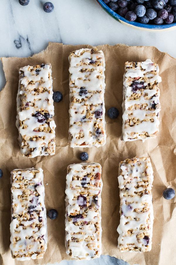 Blueberry Vanilla Greek Yogurt Granola Bars | 25+ Granola recipes