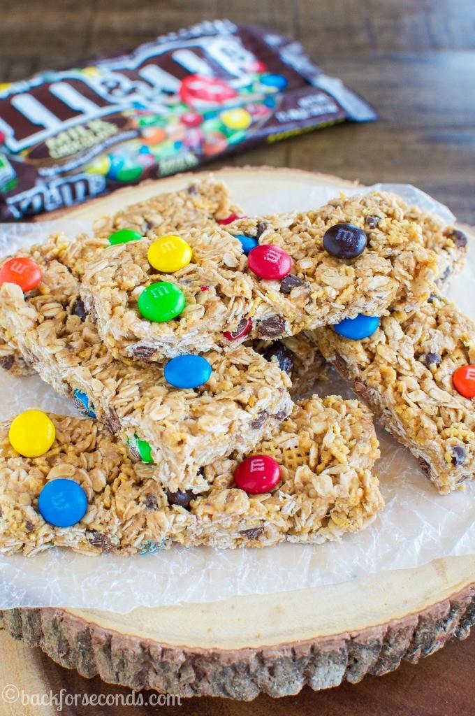 Chewy no-bake M&Ms Granola Bars | 25+ Granola recipes