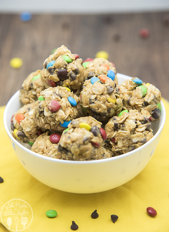 No-Bake Monster Cookie Granola Bar Bites | 25+ Granola recipes