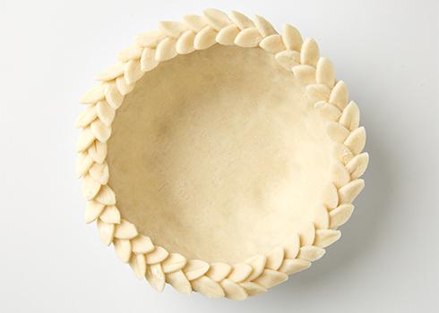 Pie Crust Art Leaves Around The Rim | 25+ Decorative Pie Crust Ideas