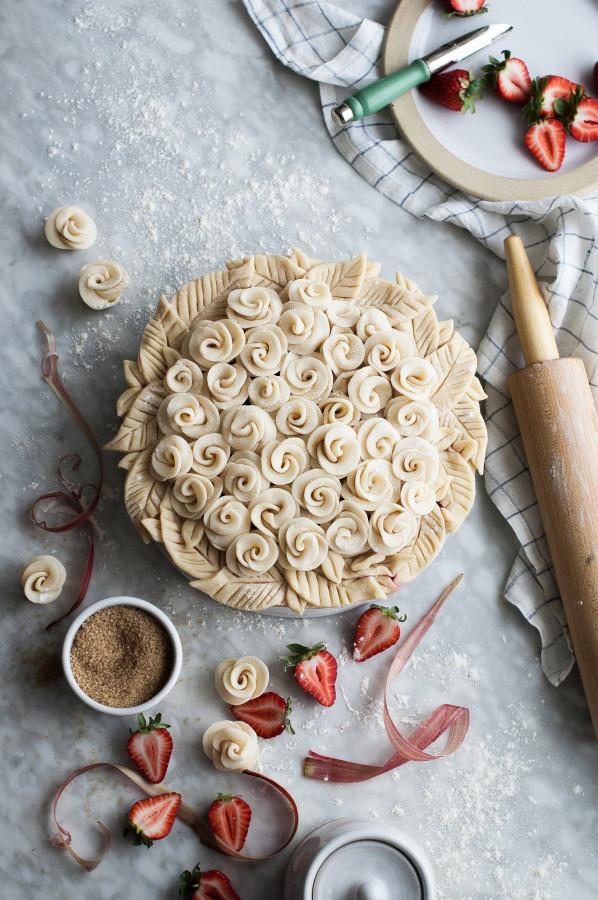 Rosy Rhubarb Strawberry Pie | 25+ Decorative Pie Crust Ideas