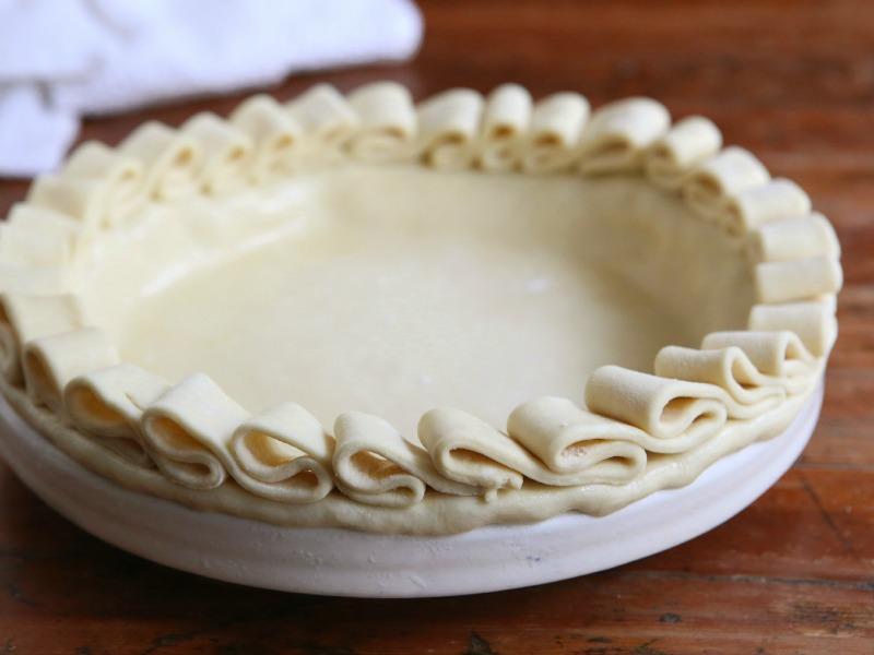 Ruffled Edge | 25+ Decorative Pie Crust Ideas