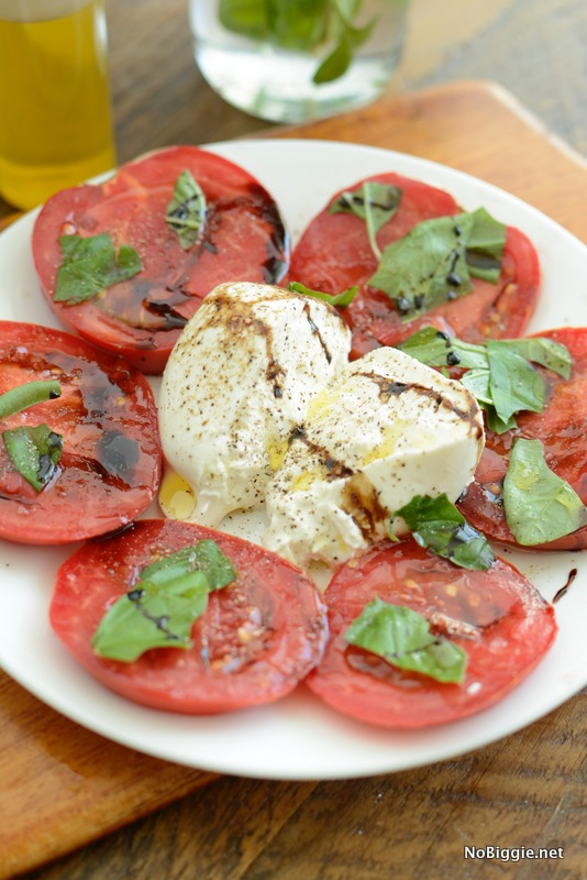 tomato basil salad with burrata | NoBiggie.net