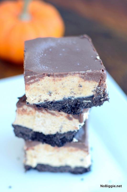 Frozen Oreo Pumpkin Cheesecake Bars | NoBiggie.net