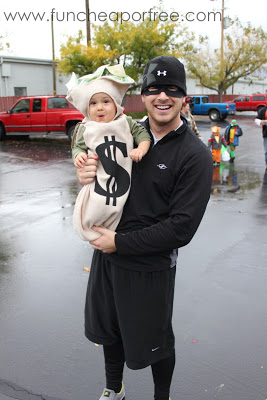 Money bag and Bandit |25+ Creative Costumes for Babies