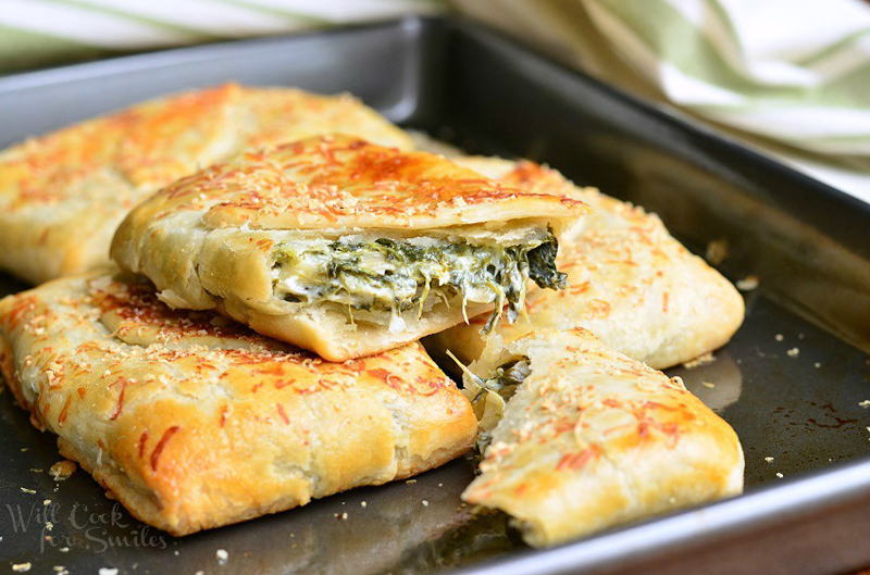 Spinach Artichoke Hand Pies | 25+ Meatless Meals