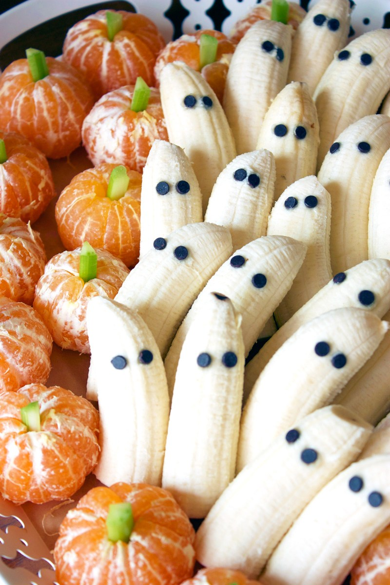 Tangerine Pumpkins and Banana Ghosts | 25+ Healthy Halloween Food