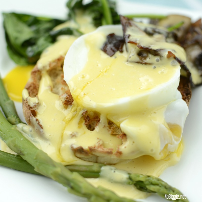Veggie Eggs Benedict | 25+ Meatless Meals