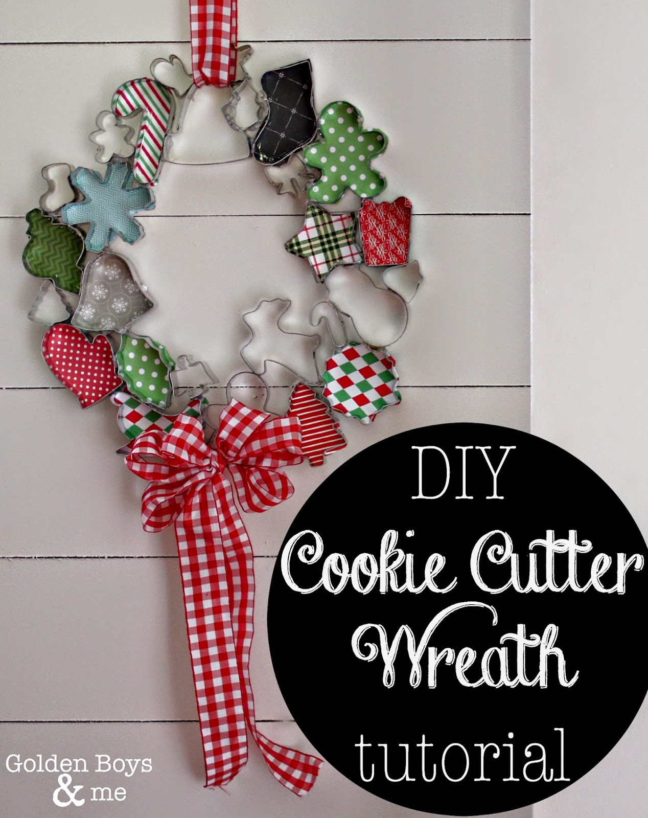 Christmas Cookie Cutter Wreath | 25+ Beautiful Christmas Wreaths