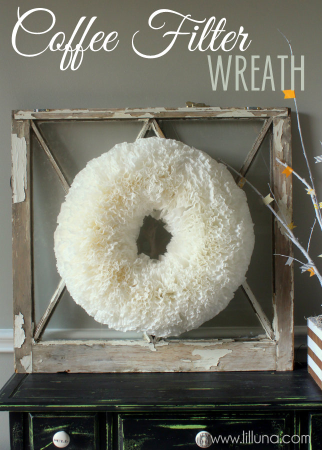 Coffee Filter Wreath | 25+ Beautiful Christmas Wreaths
