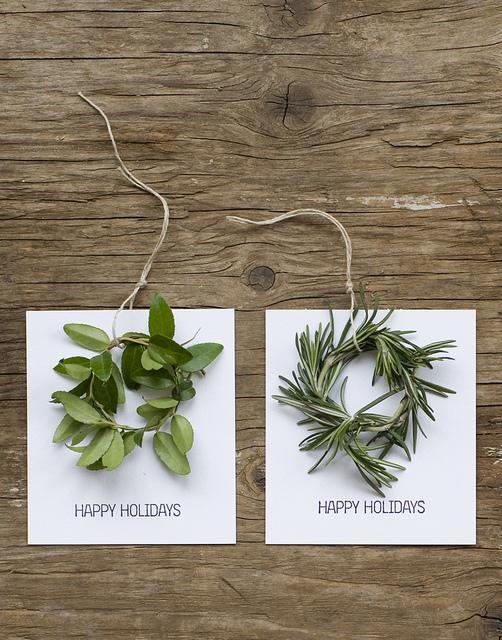 Mini Wreath Holiday Cards   25+ Handmade Christmas Cards