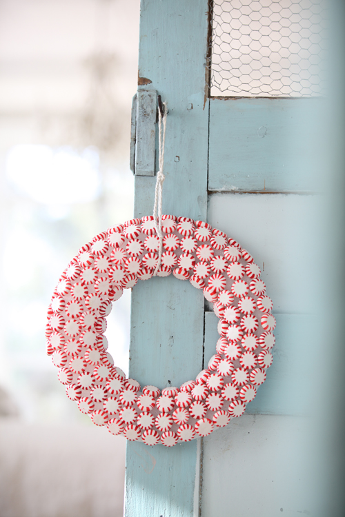 Peppermint Candy Wreath | 25+ Beautiful Christmas Wreaths
