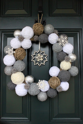 Snowball Wreath | 25+ Beautiful Christmas Wreaths