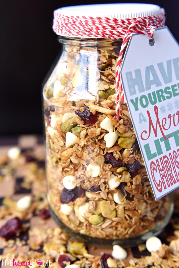 Gingerbread Granola | 25+ Edible Christmas Gifts