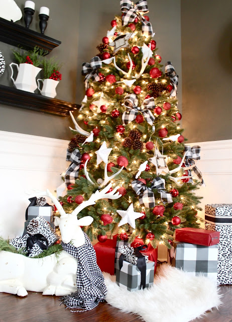 18 creative christmas tree decorating ideas - Plaid Christmas Tree Decorations