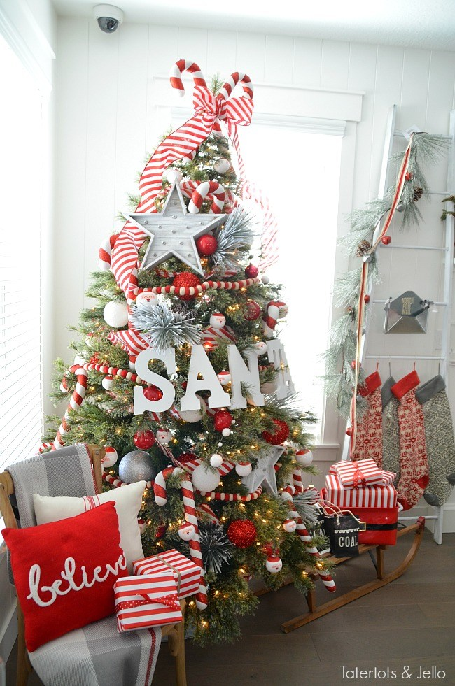 18 creative christmas tree decorating ideas style motivation 18 creative christmas tree decorating ideas solutioingenieria Gallery