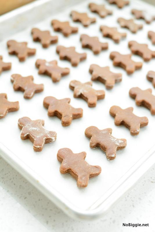 mini gingerbread cookies | NoBiggie.net