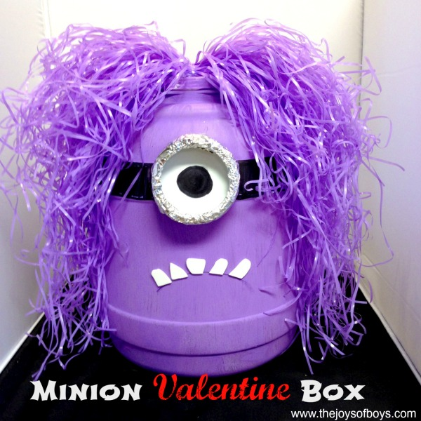 Minion Valentine Box | 25+ Valentine Boxes for boys