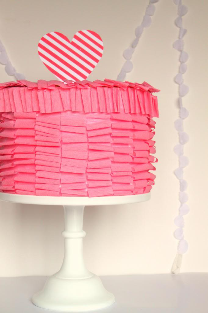 Ruffle Cake Valentines Box | 25+ Valentine Boxes for Girls