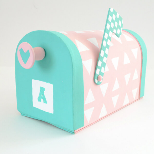Valentine's Mailbox | 25+ Valentine Boxes for Girls