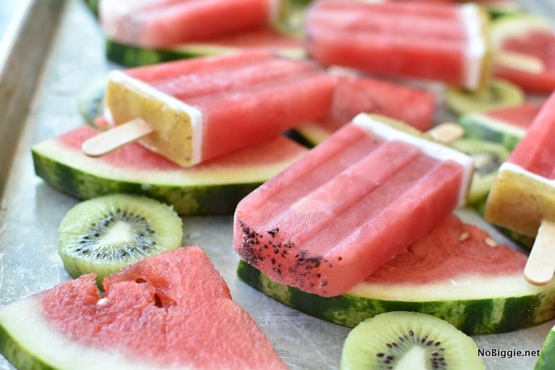 Watermelon kiwi popsicles | NoBiggie.net