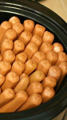 Crockpot Hotdogs | 25+ ways to Feed a Crowd