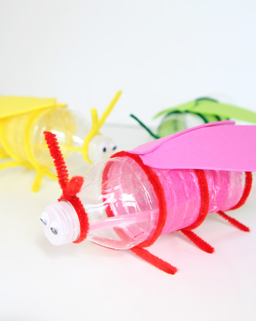 Glow Stick Bugs | 25+ MORE Summer Crafts for Kids