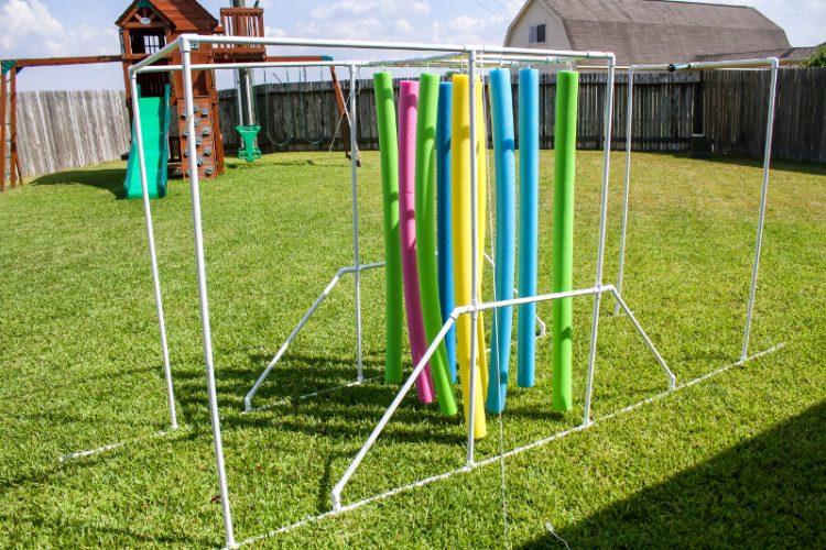 DIY Sprinkler Relay | 25+ MORE Summer Crafts for Kids