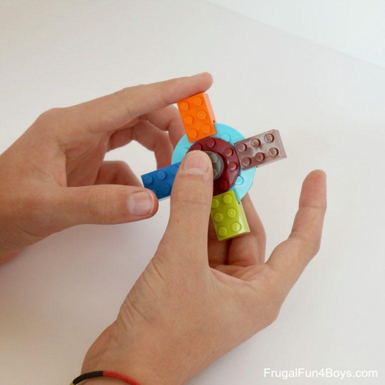 Lego Fidget Spinner | 25+ MORE Summer Crafts for Kids