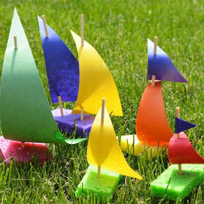 Sponge Sailboats | 25+ MORE Summer Crafts for Kids