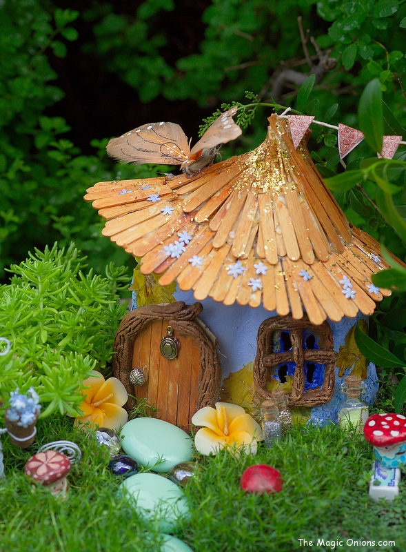 Fairy Garden Feature | 25+ Fabulous Fairy Garden
