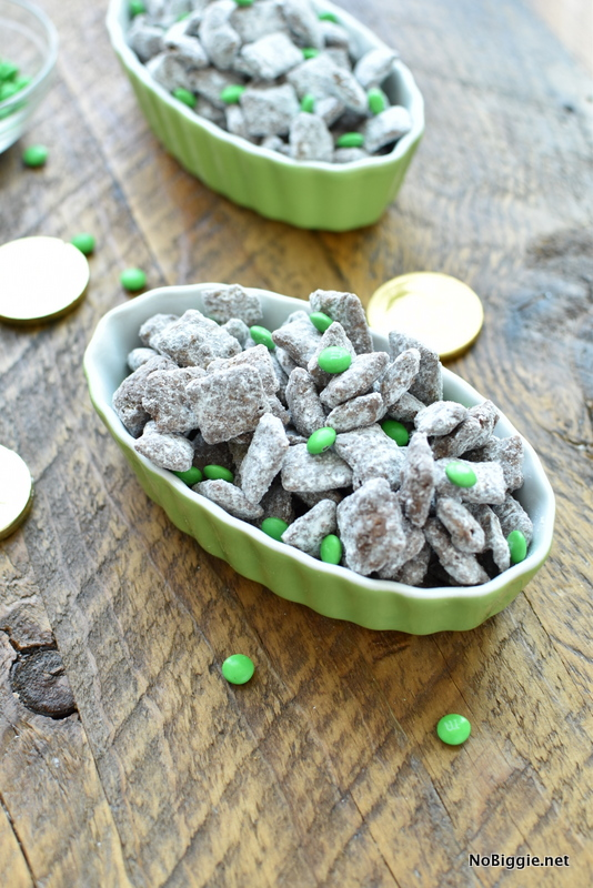 Emerald City magic snack mix | NoBiggie.net
