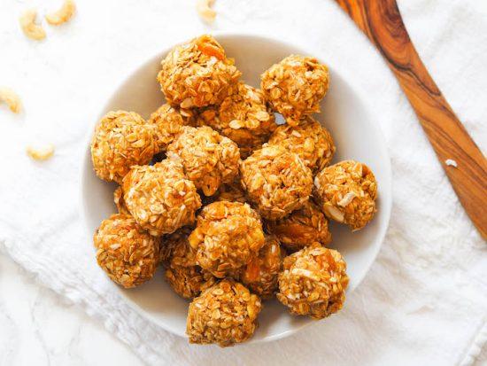 Salty Cashew Coconut Energy Balls | 25+ Energy Bites