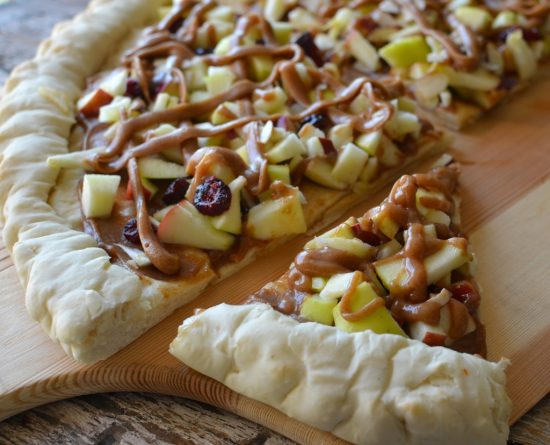 Apple Almond Dessert Pizza | 25+ Dessert Pizzas