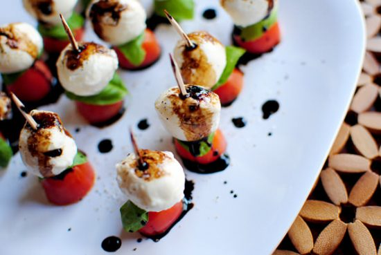 Caprese Skewers | 25+ Easy No Cook Appetizers