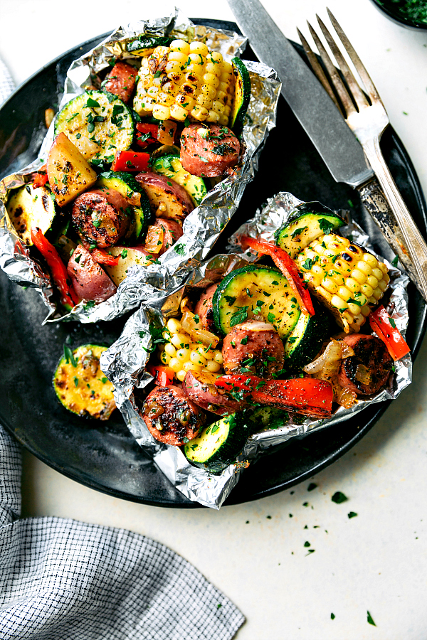 Easy Tin Foil Sausage and Veggies Dinner | 25+ Foil Packet Dinners