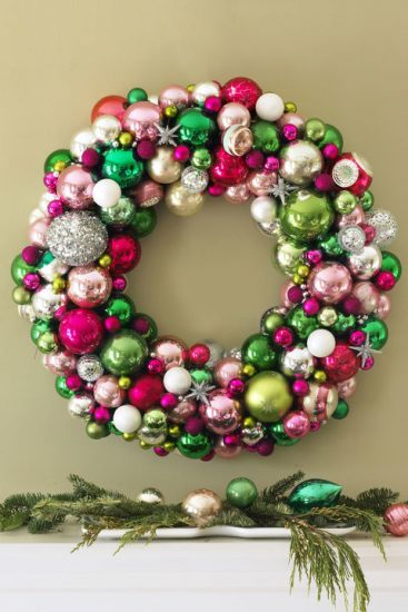 Christmas Ball Wreath | 25+ MORE Beautiful Christmas Wreaths
